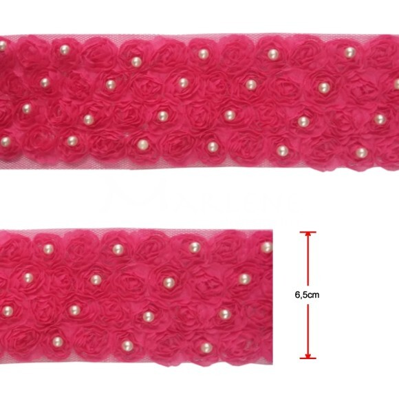 Passamanaria flor 4 fileiras com pérolas pink por metro