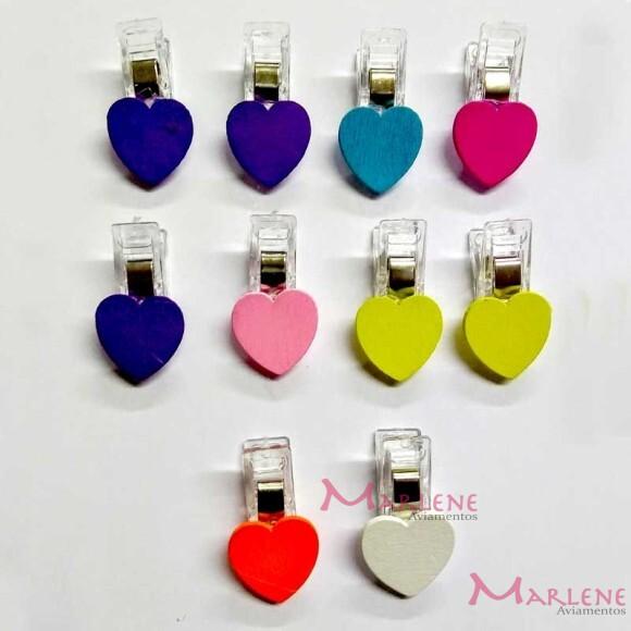 Prendedor de patchwork coração com 10 unidades
